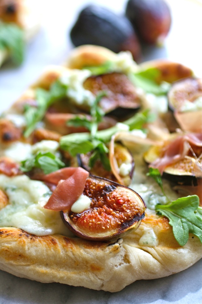 Grilled Pizza with Figs, Prosciutto and Blue Cheese
