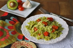 Creamy Avocado Pasta with Roasted Garlic and Tomatoes