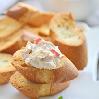 Creamy Artichoke and Roasted Red Pepper Spread is perfect for parties and so easy to make!