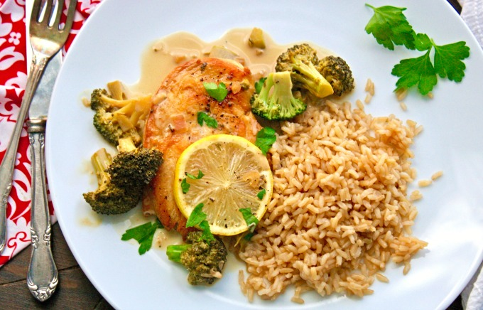 Creamy Lemon Chicken with Broccoli is a great dish to brighten up a cold winter night!