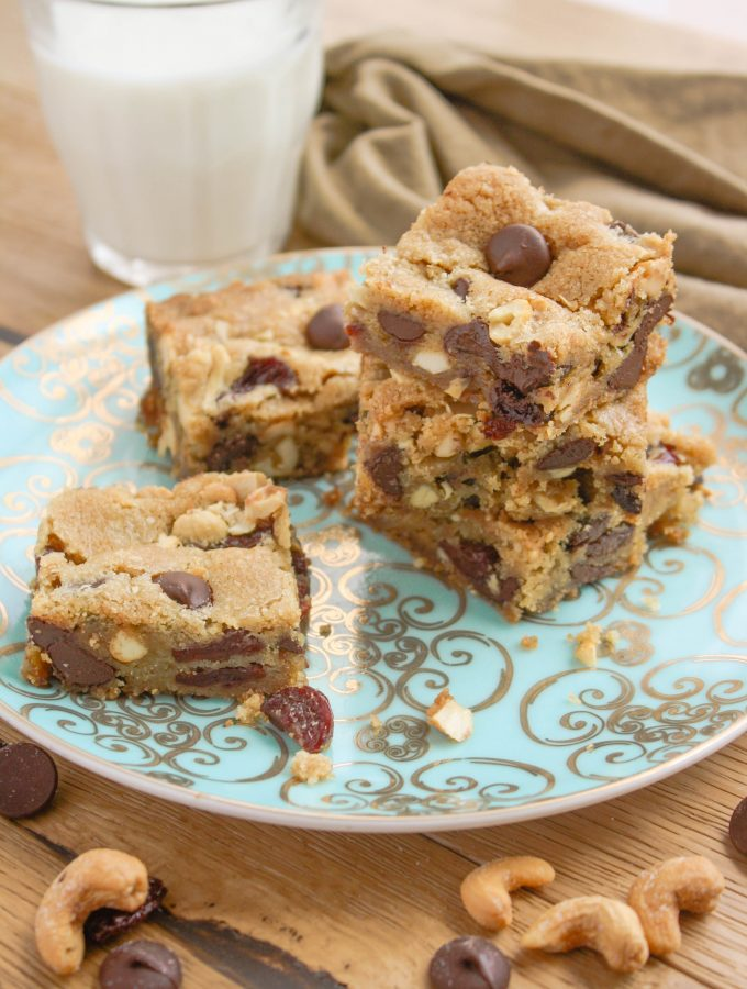 Dark Chocolate Chip Cherry Cashew Bars