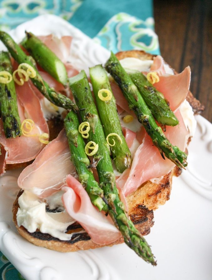 Grilled Asparagus, Prosciutto, and Brie Bruschetta