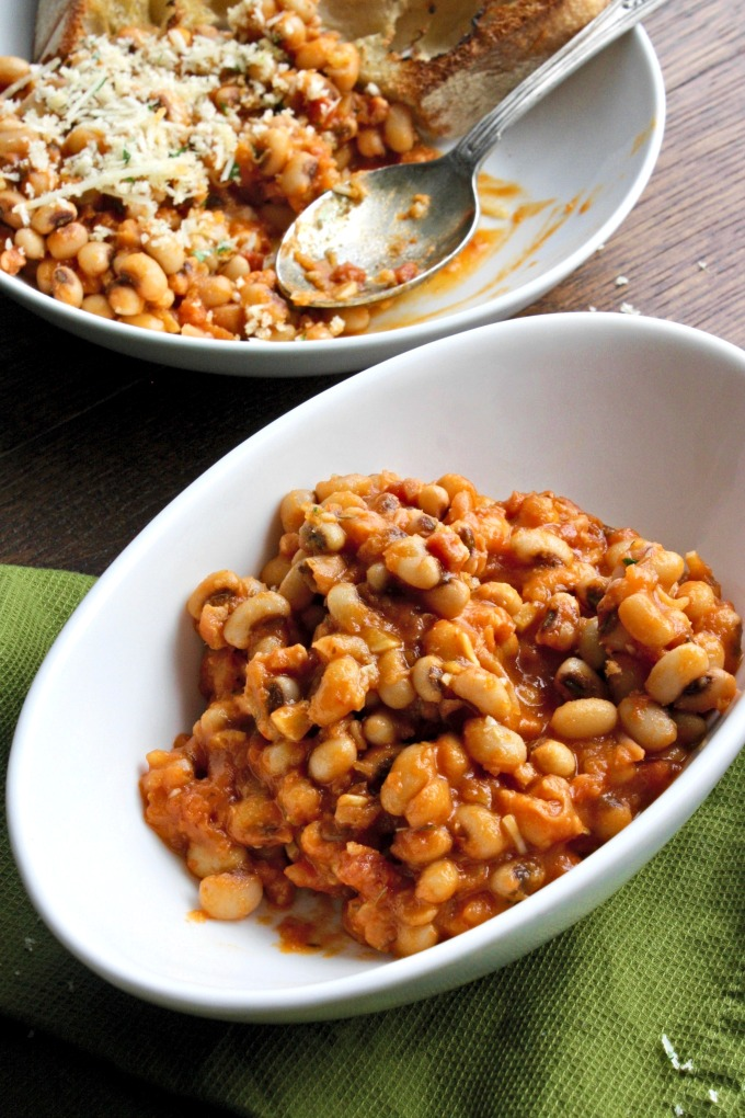Italian Style Black-Eyed Peas includes herbs, tomato, and Parmesan. This makes a fabulous side dish!