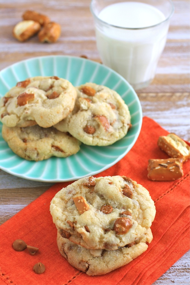 A plateful of Cinnamon Pretzel Crunch Sugar Cookies
