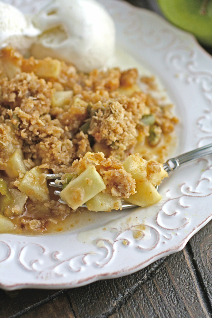 Dig in to a delicious and different dessert: Apple and Hatch Chile Crisp.