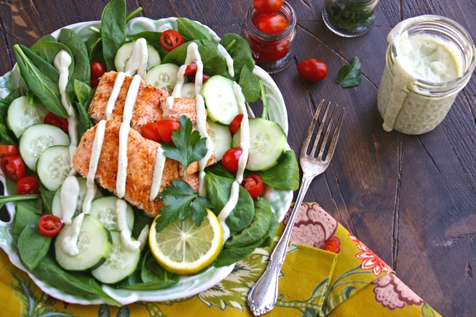 Make yourself the perfect warm-weather salad: Spinach & Salmon Salad with Creamy Dairy-Free Herbed Dressing.