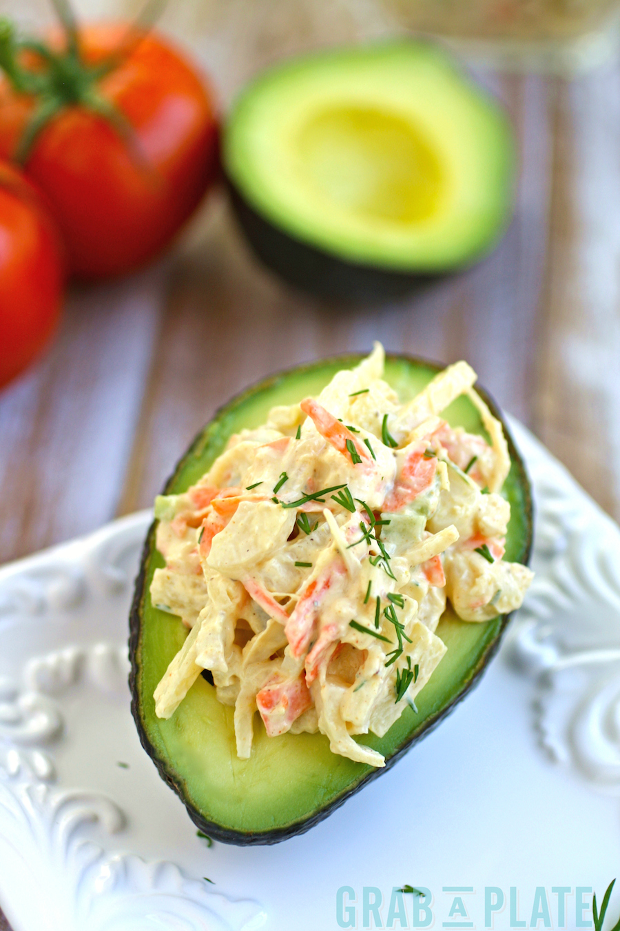 Avocado-stuffed-hearts-of-palm-crabless-salad