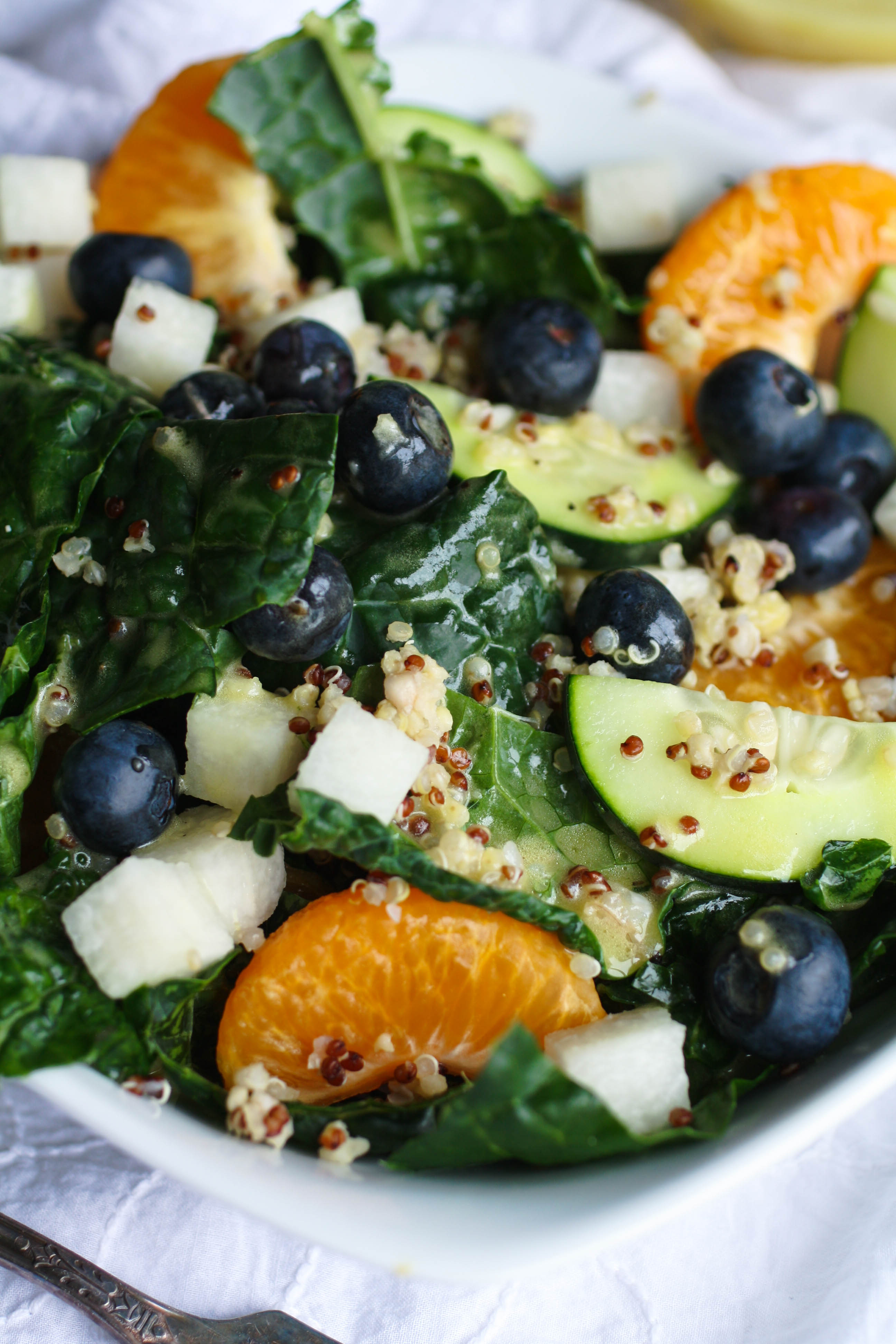 Kale-Quinoa Salad with Orange Vinaigrette is a salad that's full of goodness! It's an easy salad to make that will be perfect as your next meal!