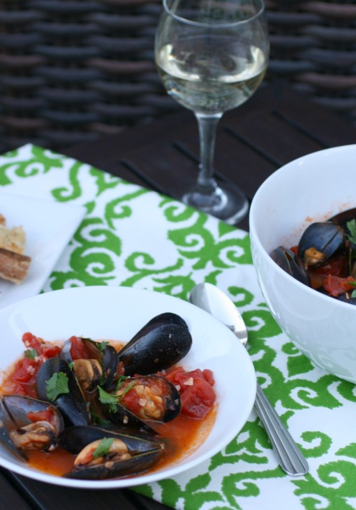 Serve these Easy Mussels Marinara as an appetizer or part of a light meal