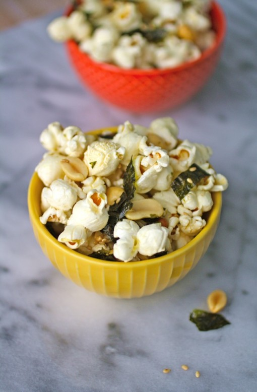a great snack: sesame and nori popcorn