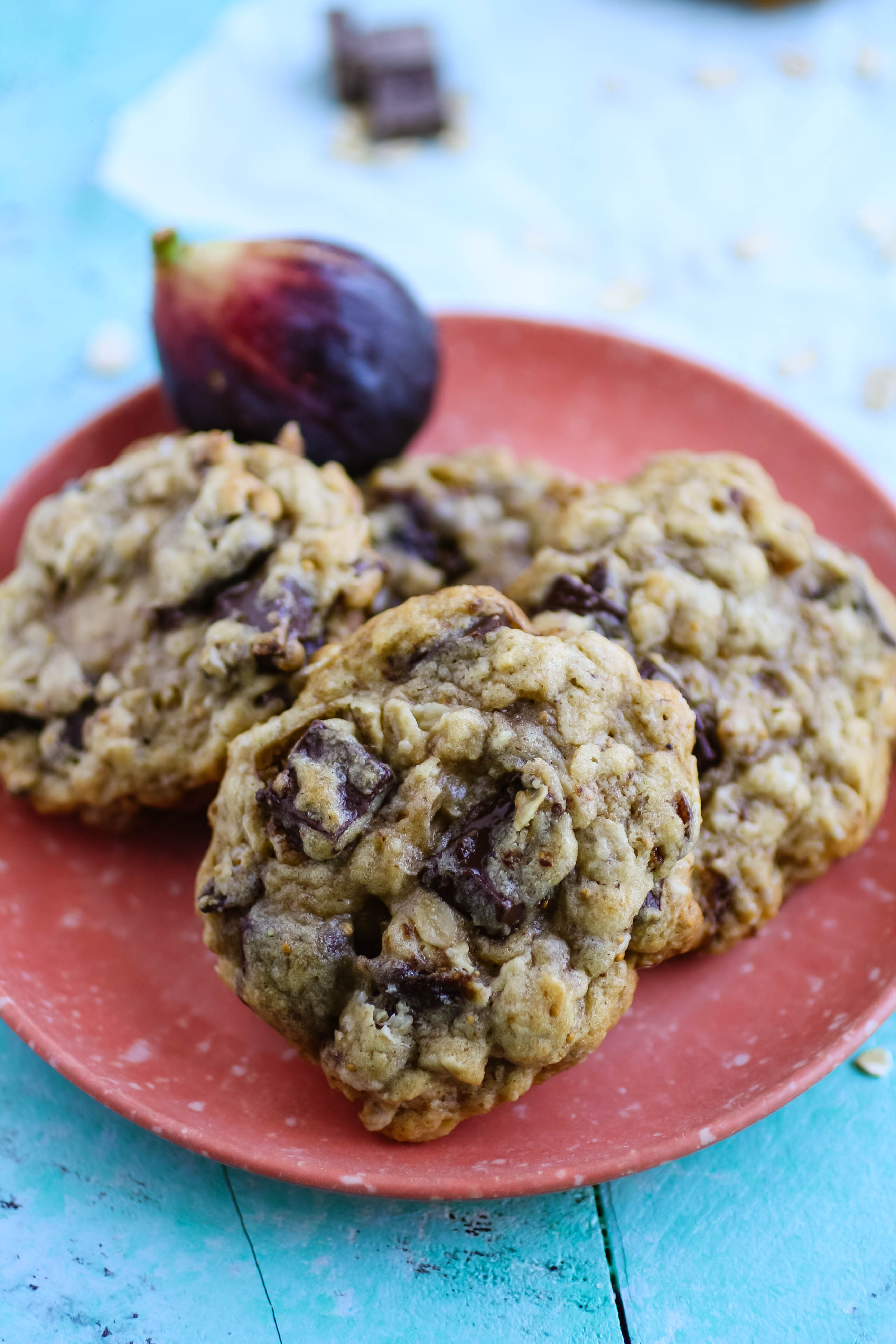 Oatmeal fig cookies with dark chocolate chunks are loaded with goodness. You'll fall in love with Oatmeal fig cookies with dark chocolate chunks!