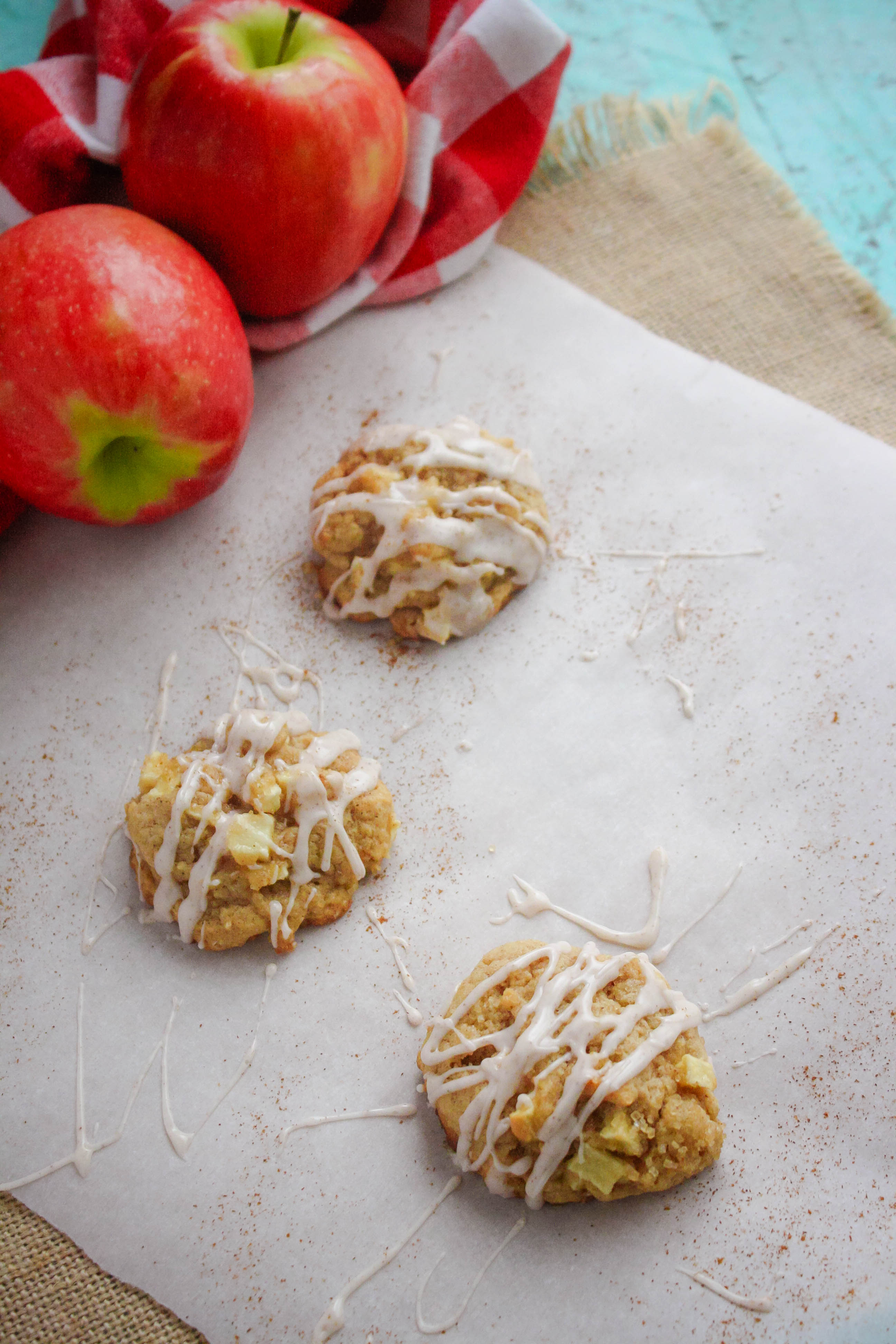 Apple Pie Cookies with Cinnamon Glaze are cookies you'll gobble up! Apple Pie Cookies with Cinnamon Glaze are tasty treats.