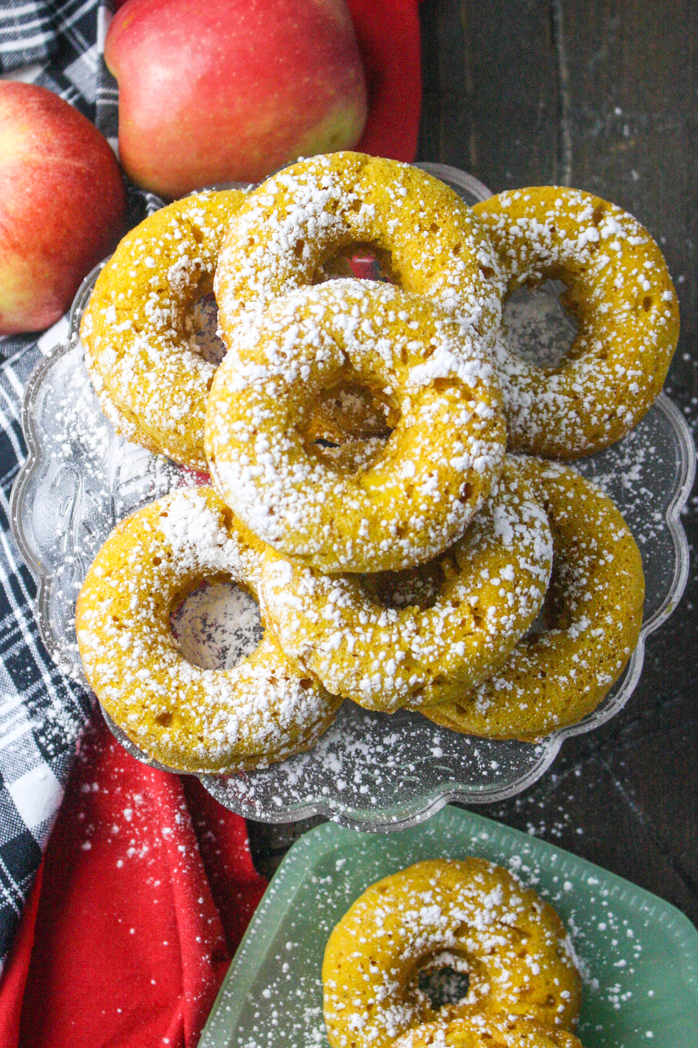 Baked Spiced Apple & Pumpkin Donuts are a wonderful treat for the season! You'll love these Baked Spiced Apple & Pumpkin Donuts!