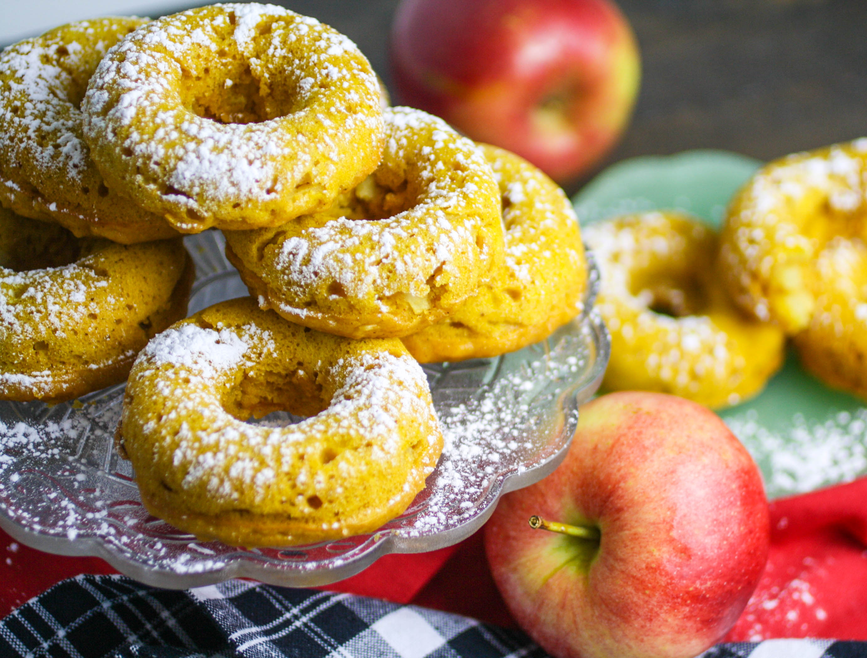 You need Baked Spiced Apple & Pumpkin Donuts in your life! These Baked Spiced Apple & Pumpkin Donuts are a seasonal treat!