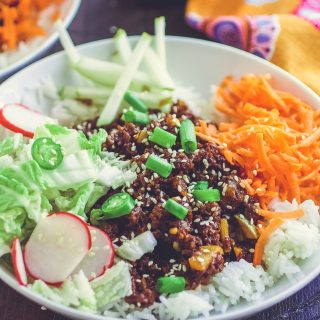 Korean Beefless Bulgogi Bowls is a great meatless main dish. Korean Beefless Bulgogi Bowls are here for your next vegetarian meal!