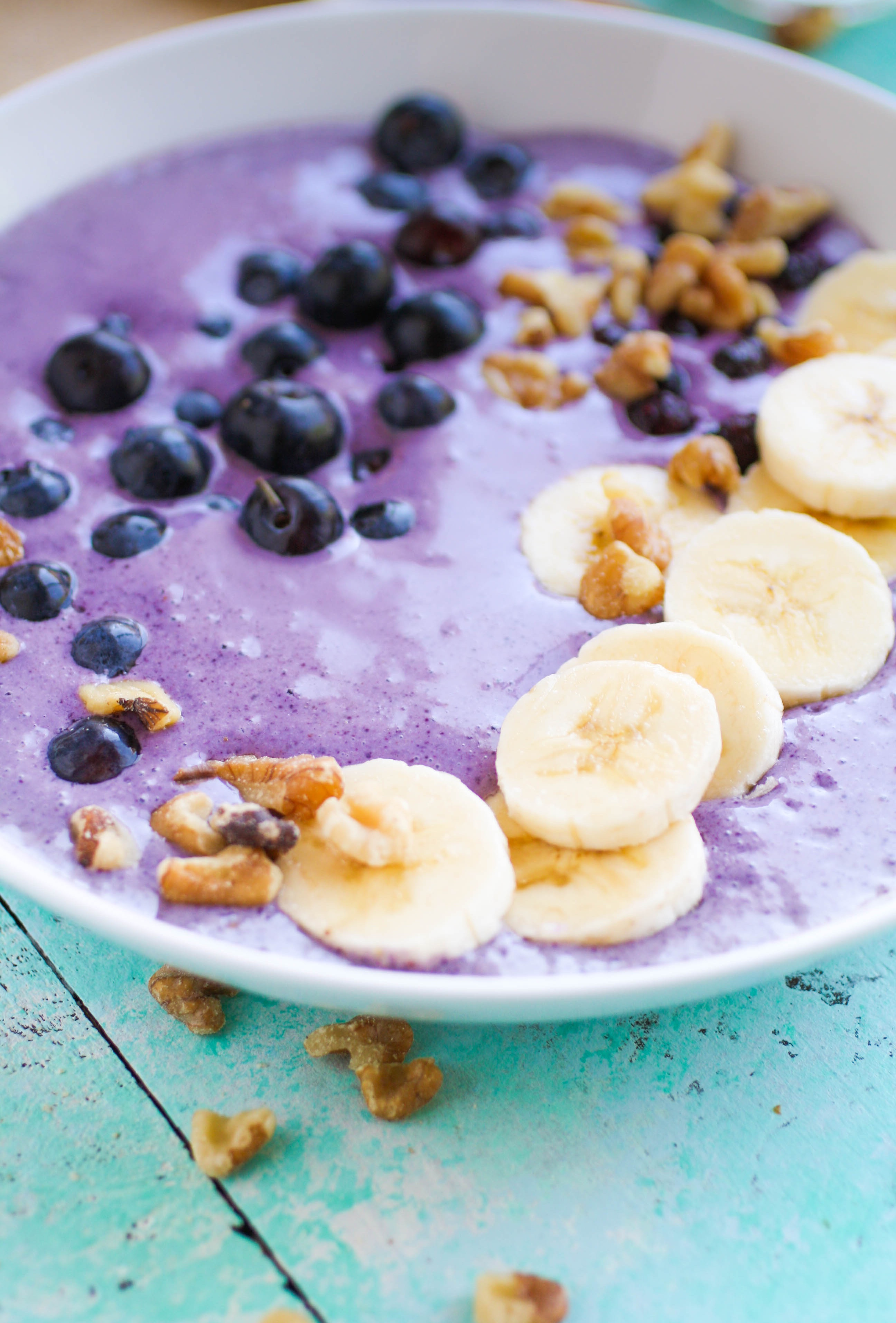 Blueberry Banana Walnut Smoothie Bowls are wonderful for a delicious breakfast. Blueberry Banana Walnut Smoothie Bowls are a delight in the morning.