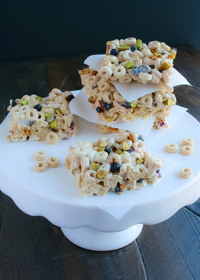 Blueberry-Pistachio Marshmallow Cereal Bars make tasty after school treats! Yummy is a word to describe these Blueberry-Pistachio Marshmallow Cereal Bars - what a treat!