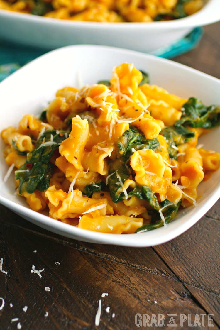 Perfect for Meatless Monday and beyond, Pasta with Kale and Creamy Butternut Squash Sauce is delicious!