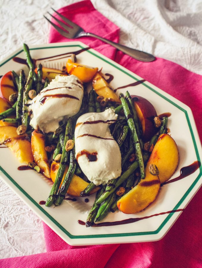 Charred Green Beans with Burrata and Peaches is a delightful salad. Charred Green Beans with Burrata and Peaches is an easy to make salad.