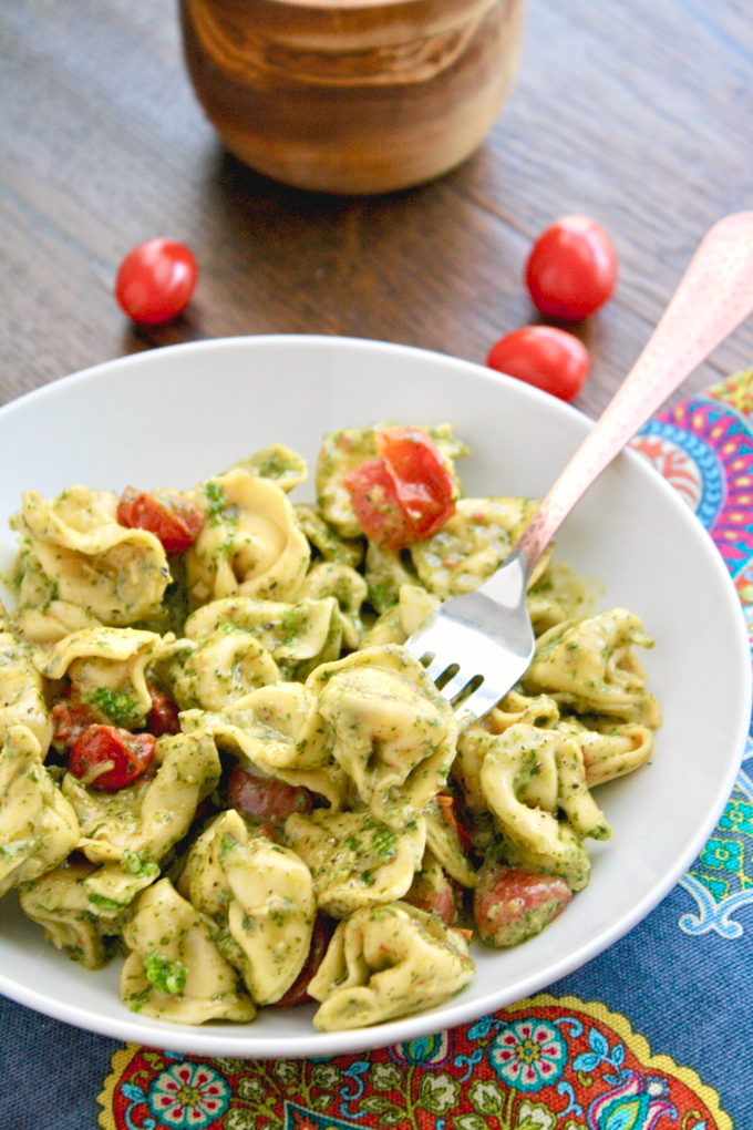 Creamy Skillet Tortellini with Arugula Pesto makes a quick meal. Easy to make and big on flavor!