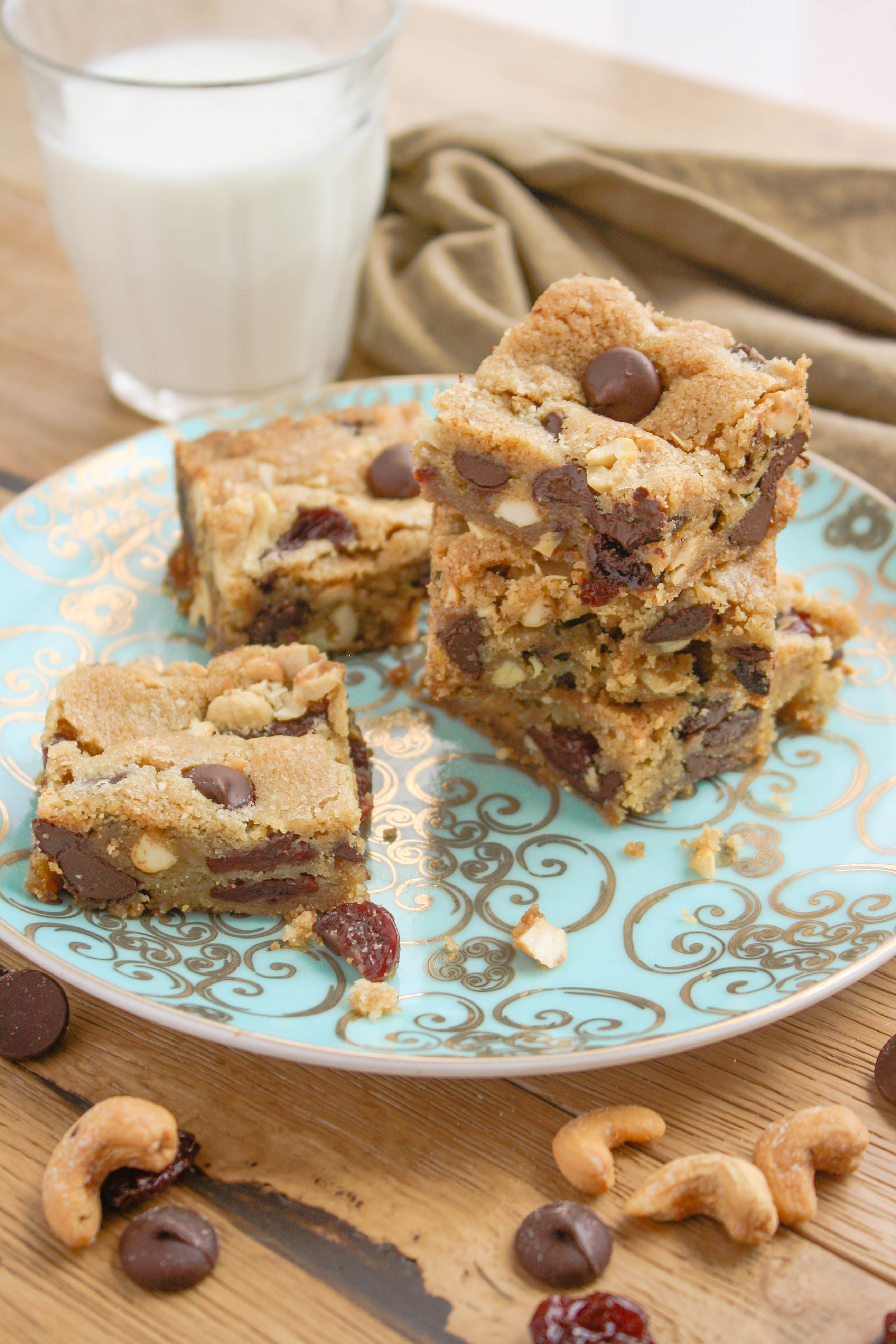 Dark Chocolate Chip Cherry Cashew Cookie Bars are fabulous and rich. These bars are filled with great ingredients for a delicious treat.