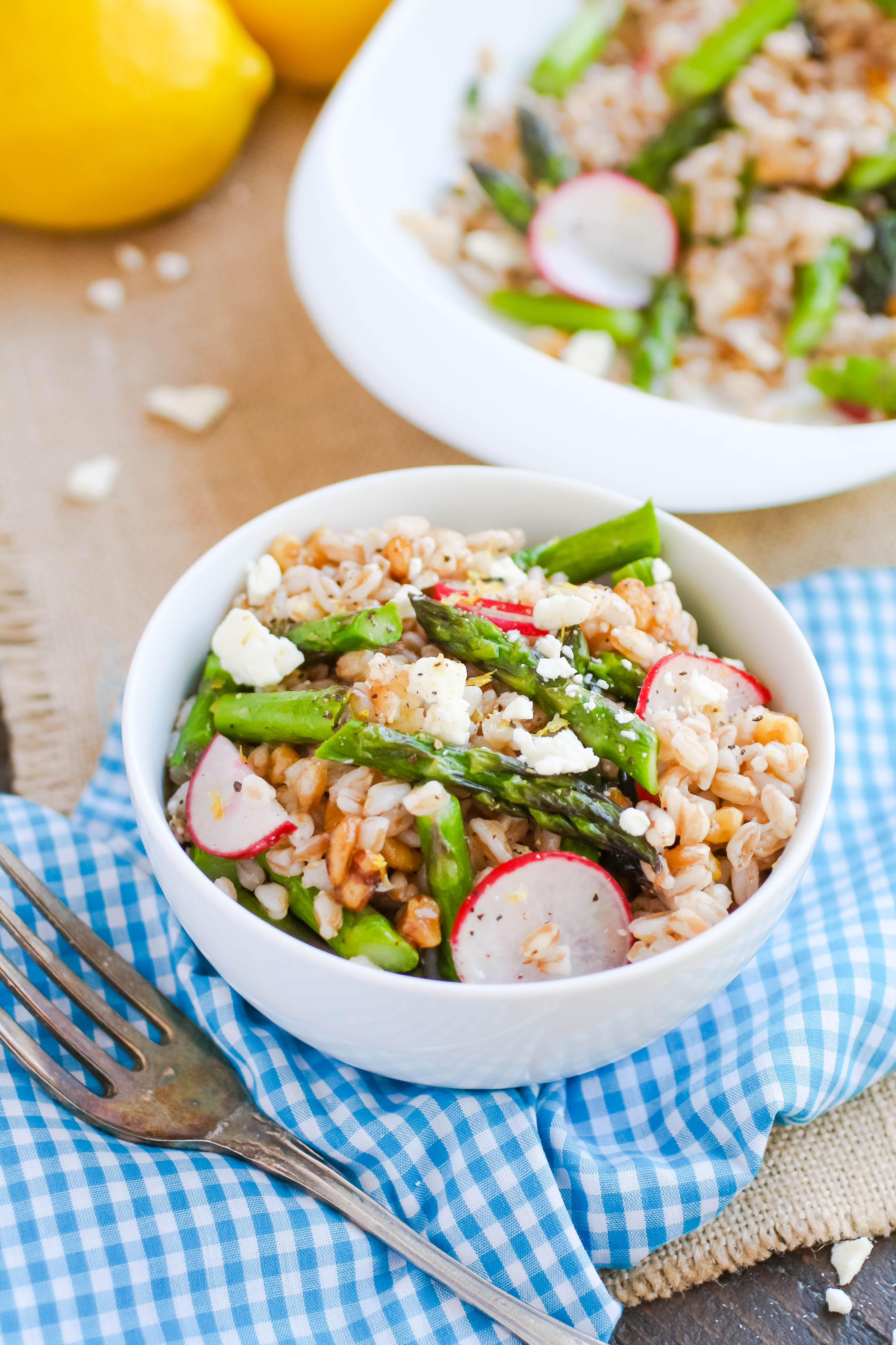 Farro Salad with Asparagus, Radishes & Lemon Vinaigrette is what you'll crave this season! Farro Salad with Asparagus, Radishes & Lemon Vinaigrette is a great salad for the season.