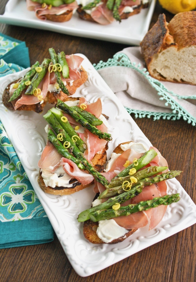 Grilled Asparagus, Prosciutto, and Brie Bruschetta is a lovely appetizer to snack on. Serve it anytime!