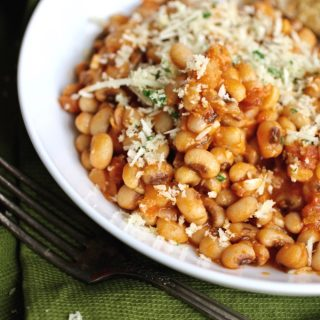 Italian Style Black-Eyed Peas is a wonderful side dish! This is a nutritious and flavorful side great for any meal!