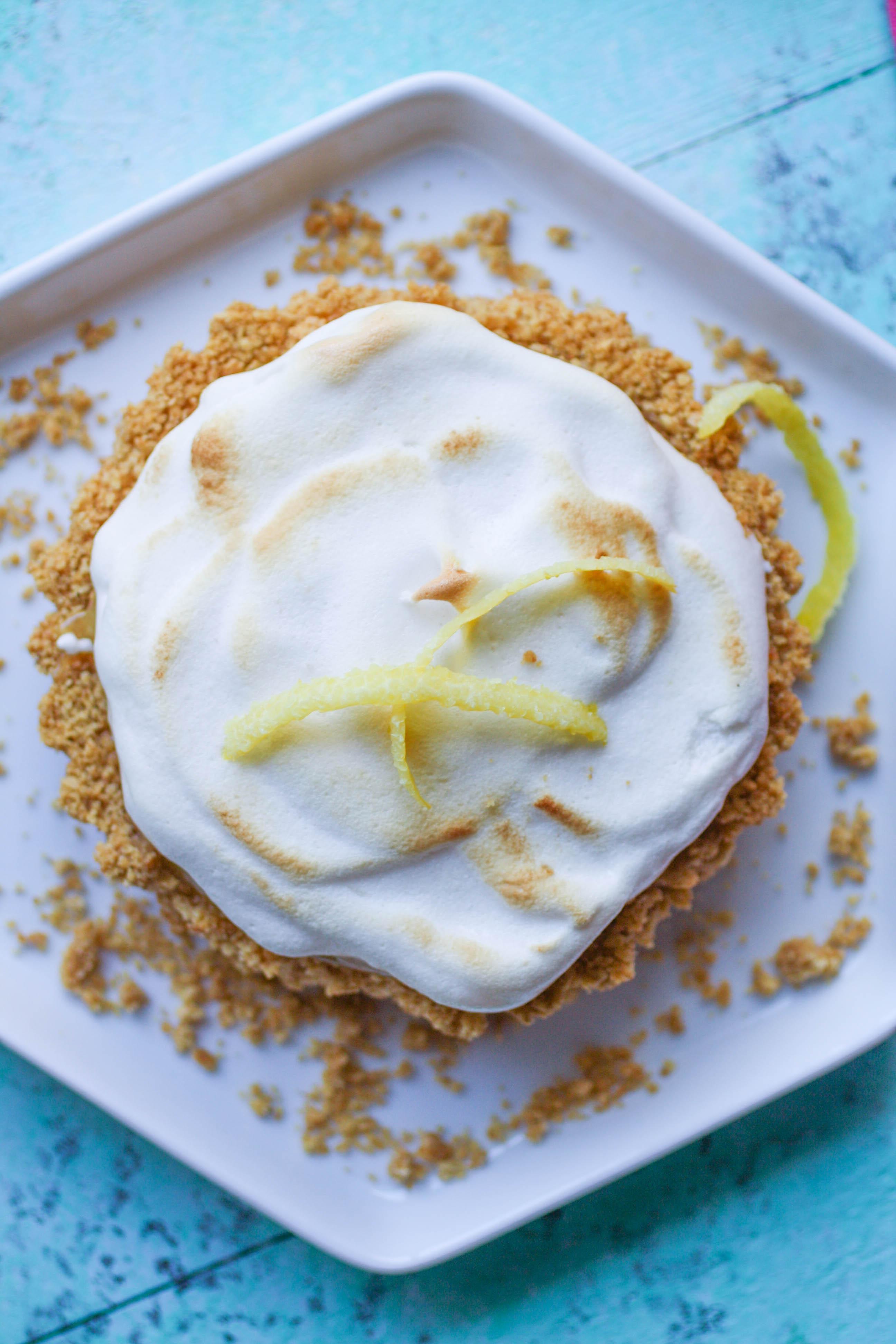 Lemon Meringue Tartlets are a pretty dessert with fabulous, citrus flavor. You'll love the lemony goodness in these Lemon Meringue Tartlets.