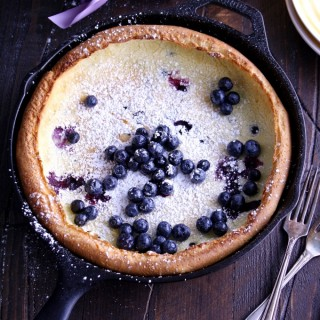 Looking for an easy to make and impressive breakfast? Try this Blueberry Dutch Baby Pancake!