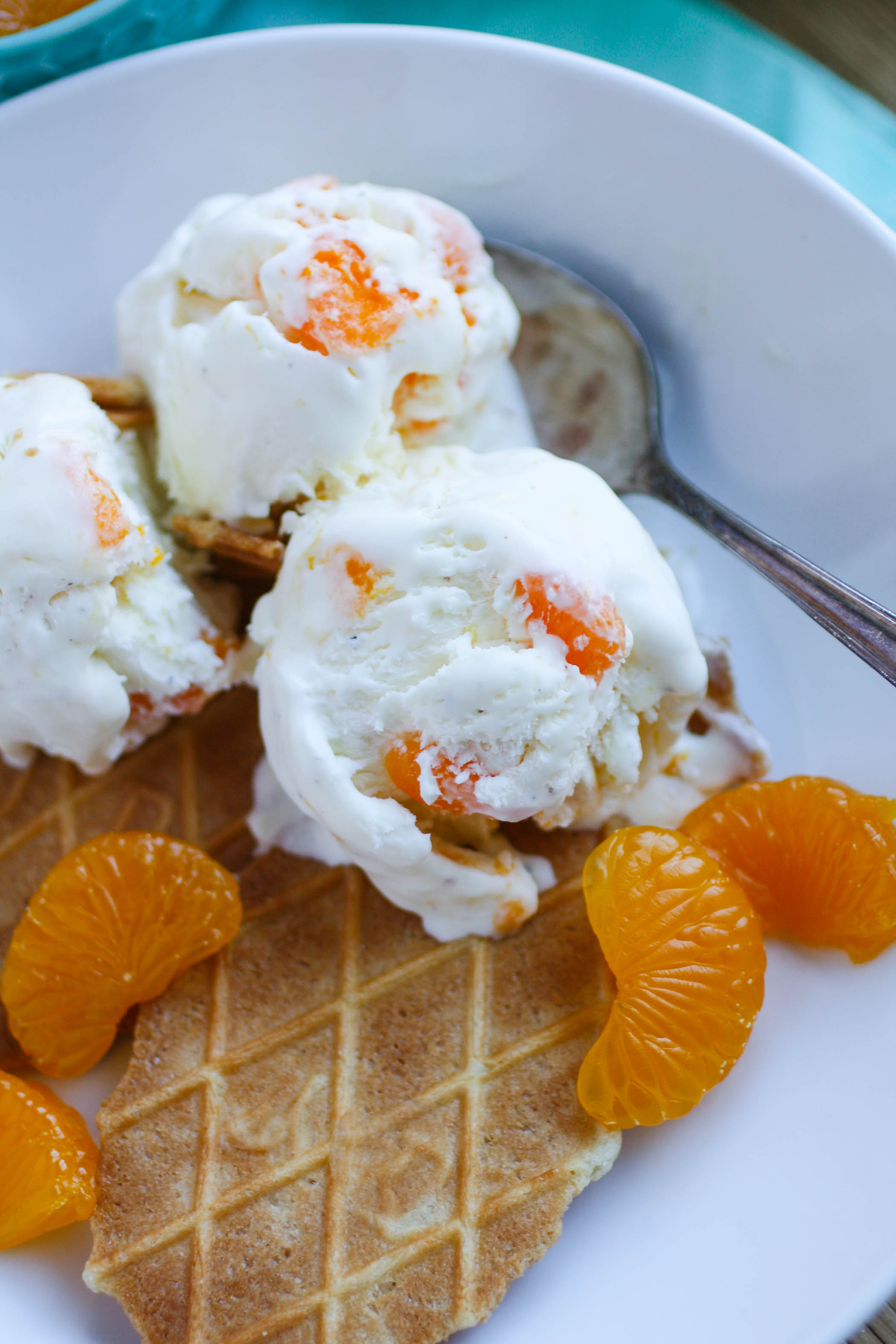 No Churn Orange-Cardamom Ice Cream is a great way to start the weekend! You'll love this tasty and easy-to-make dessert!