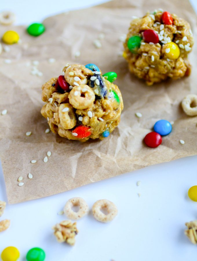 No-Bake Monster Cereal Bites are a fun treat for everyone! This snack is so easy to make, too!