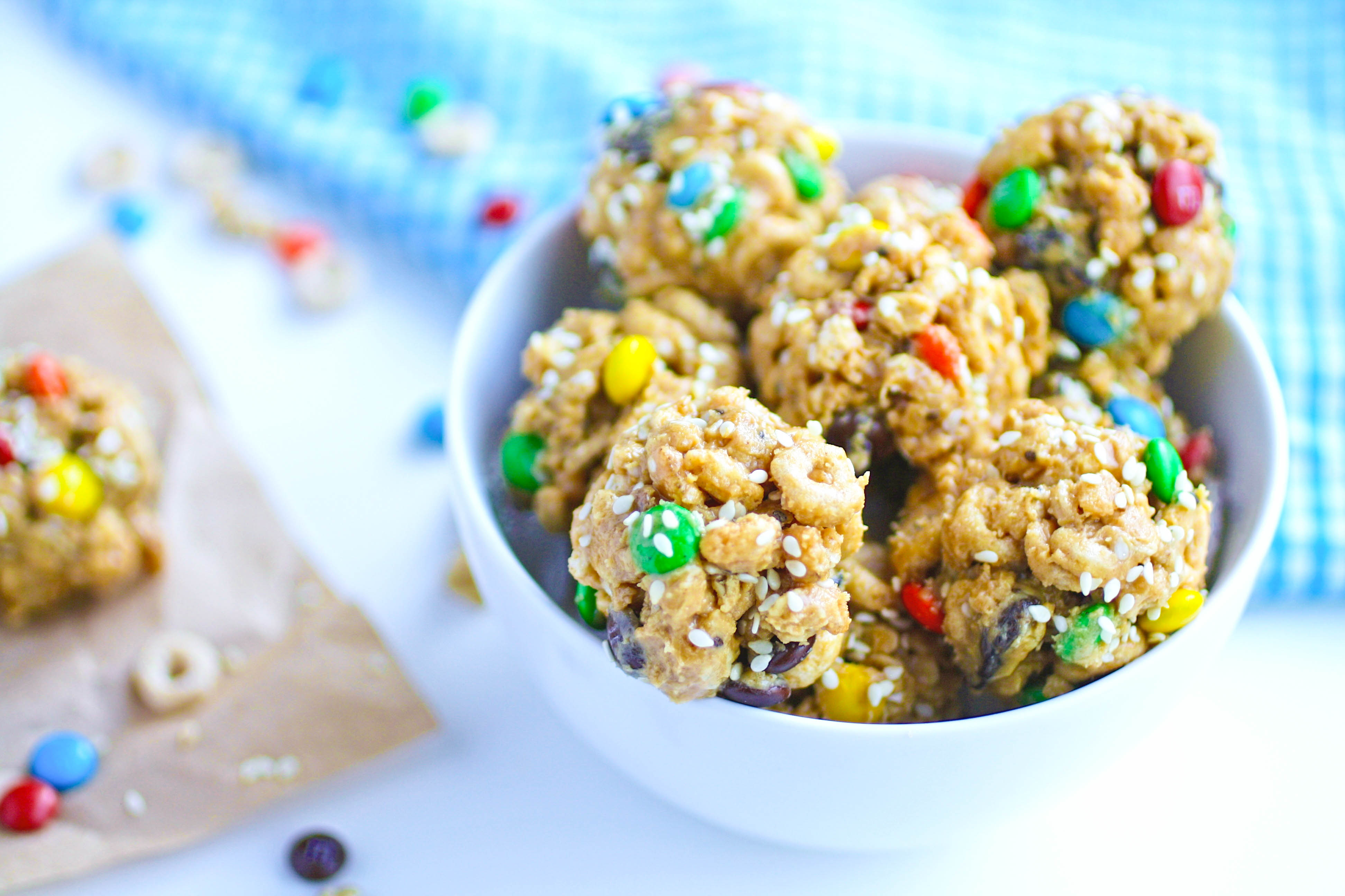 No-Bake Monster Cereal Bites are so fun for a snack. These treats are tasty and easy to make!
