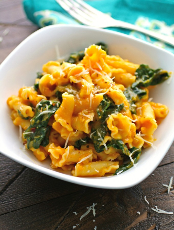 Pasta with Kale and Creamy Butternut Squash Sauce