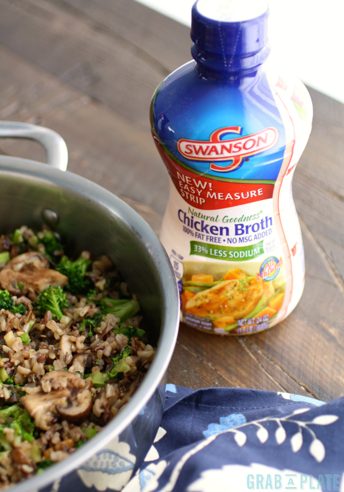Great ingredients make great sides! Try this recipe for Wild Rice, Mushroom & Broccoli Skillet Side!