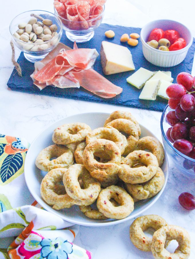 Red Pepper Italian Taralli (Breadstick Rings)