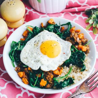 Sausage, Sweet Potato & Spinach Quinoa Bowls with Egg make a wonderful breakfast (or dinner)! You'll love these Sausage, Sweet Potato & Spinach Quinoa Bowls with Egg.