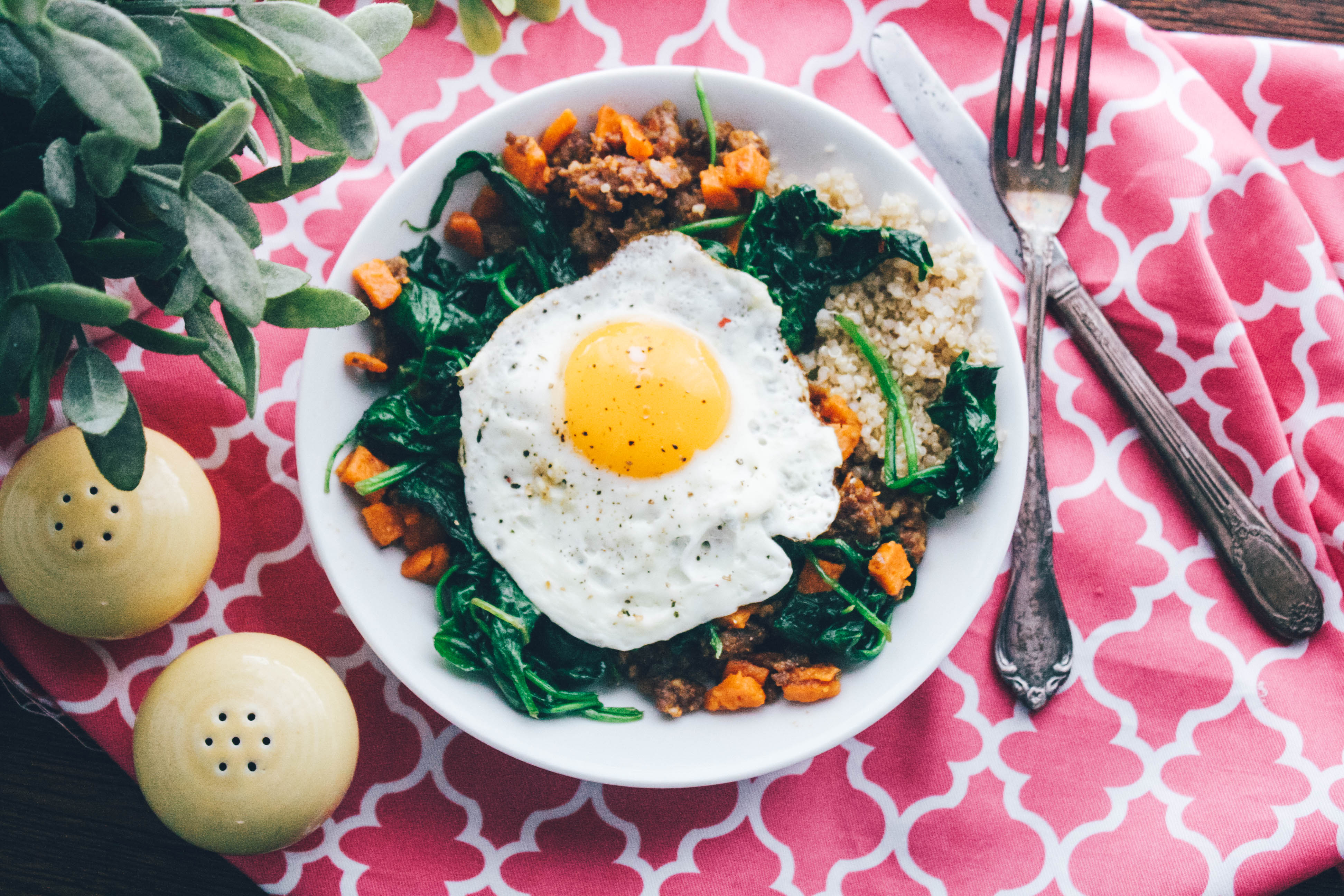 Sausage, Sweet Potato & Spinach Quinoa Bowls with Egg are a delightful dish for any meal. Make these Sausage, Sweet Potato & Spinach Quinoa Bowls with Egg soon!