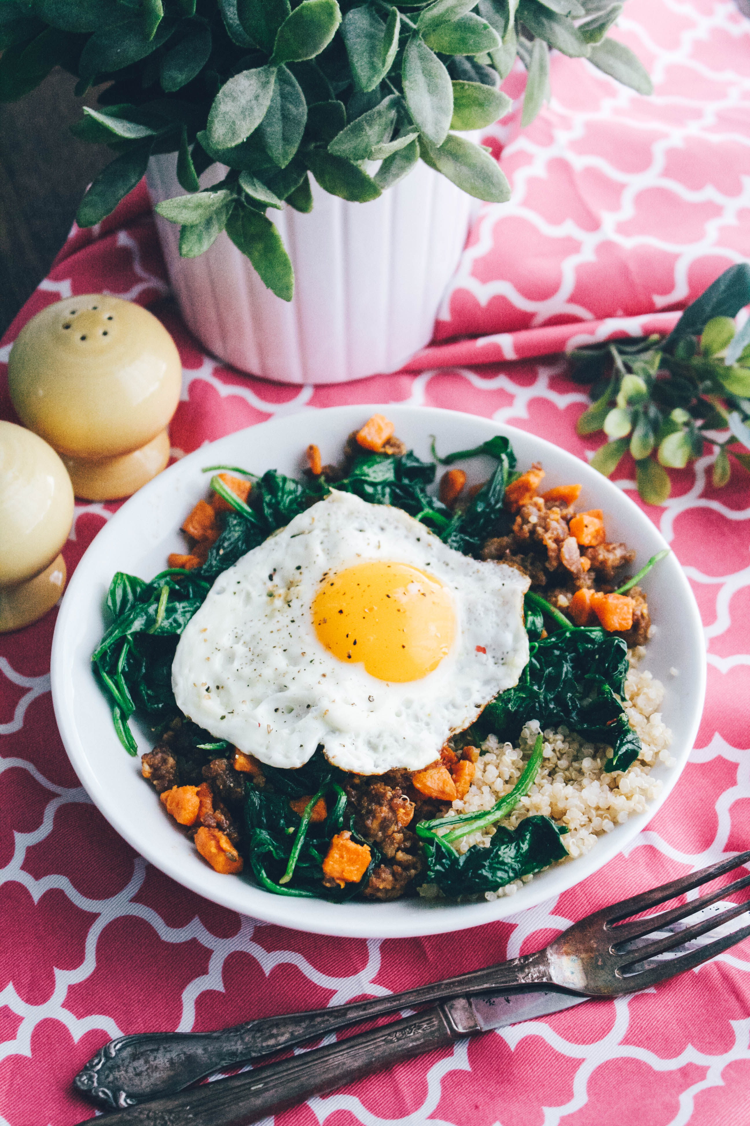 Sausage, Sweet Potato & Spinach Quinoa Bowls with Egg are a delightful dish for breakfast! Sausage, Sweet Potato & Spinach Quinoa Bowls with Egg are so tasty and easy to make, too.