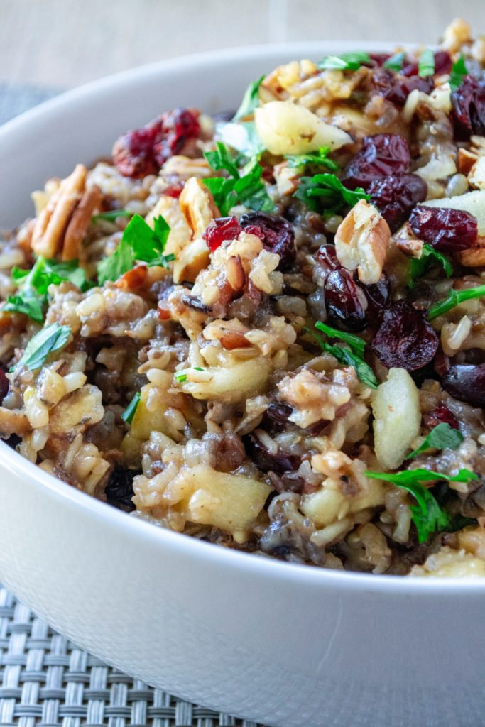 9 Slow Cooker Thanksgiving Side Dish Recipes are great for saving space this season. 9 Slow Cooker Thanksgiving Side Dish Recipes are a delightful way to save kitchen space!