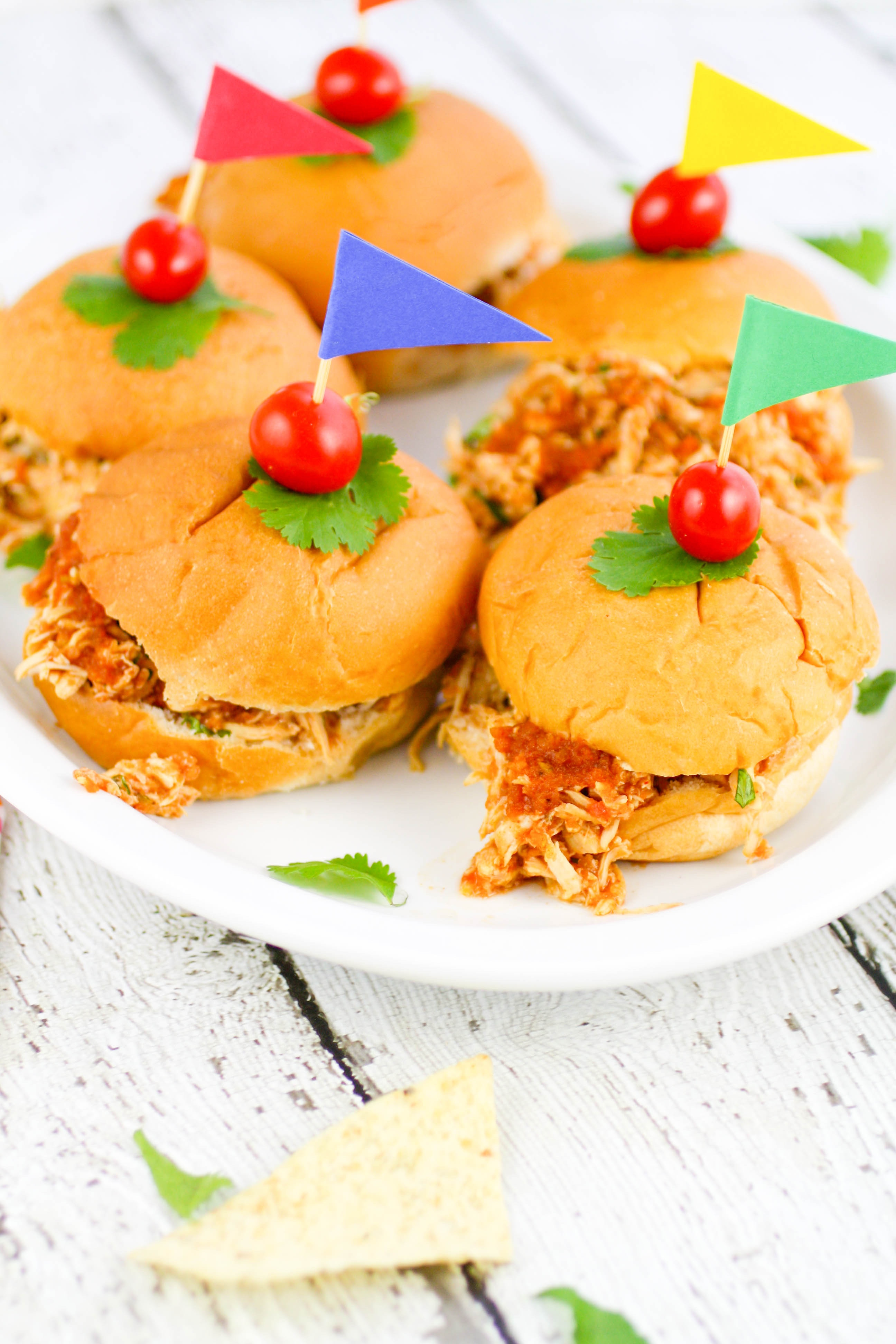 Slow Cooker Southwestern Pulled Chicken Sandwiches are tasty and so easy to make. Slow Cooker Southwestern Pulled Chicken Sandwiches are ideal for feeding a crowd, and tasty, too!