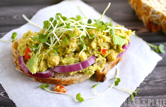 Meal-making made easy and healthy: Spiced and Smashed Chickpea and Avocado Sandwiches #MeatlessMonday #vegan