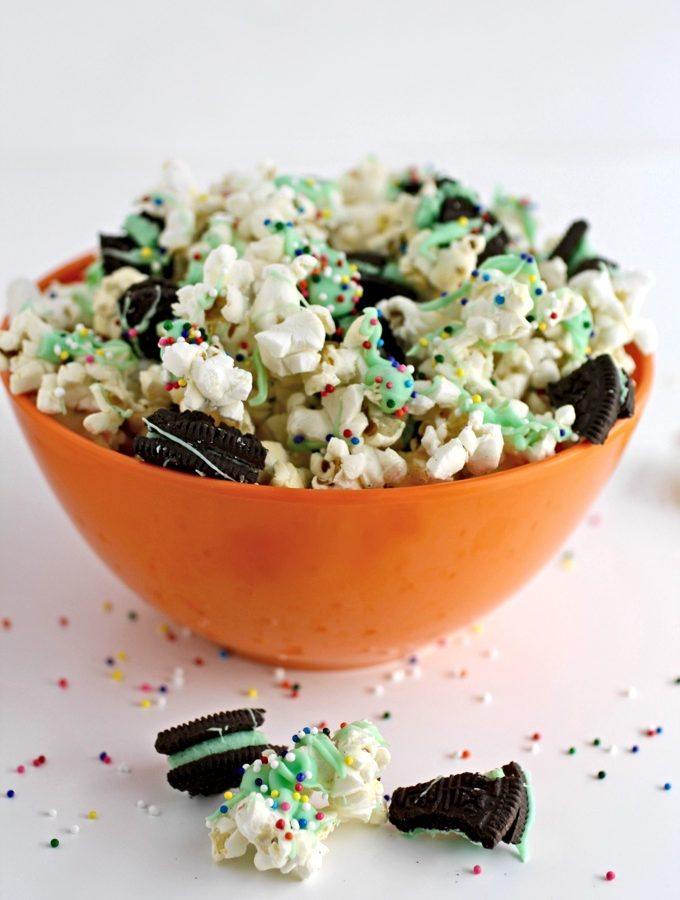 St. Patrick's Day Mint-Chocolate Popcorn Snack