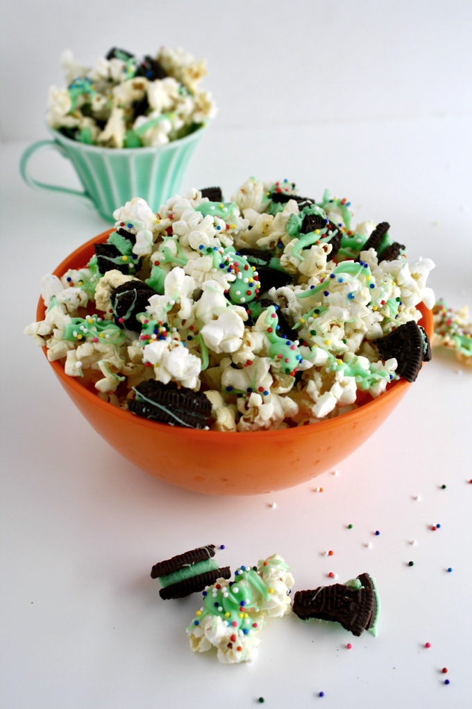 St. Patrick's Day Mint-Chocolate Popcorn Snack adds a bit of green to your day! What a fun treat!