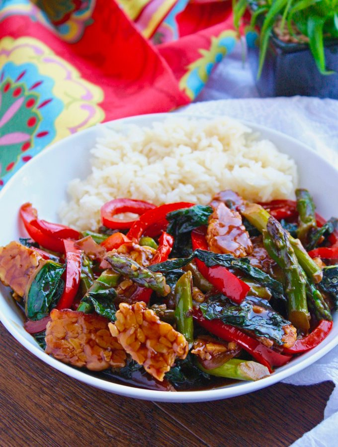 Tempeh and Vegetable Stir-Fry in Teriyaki Sauce