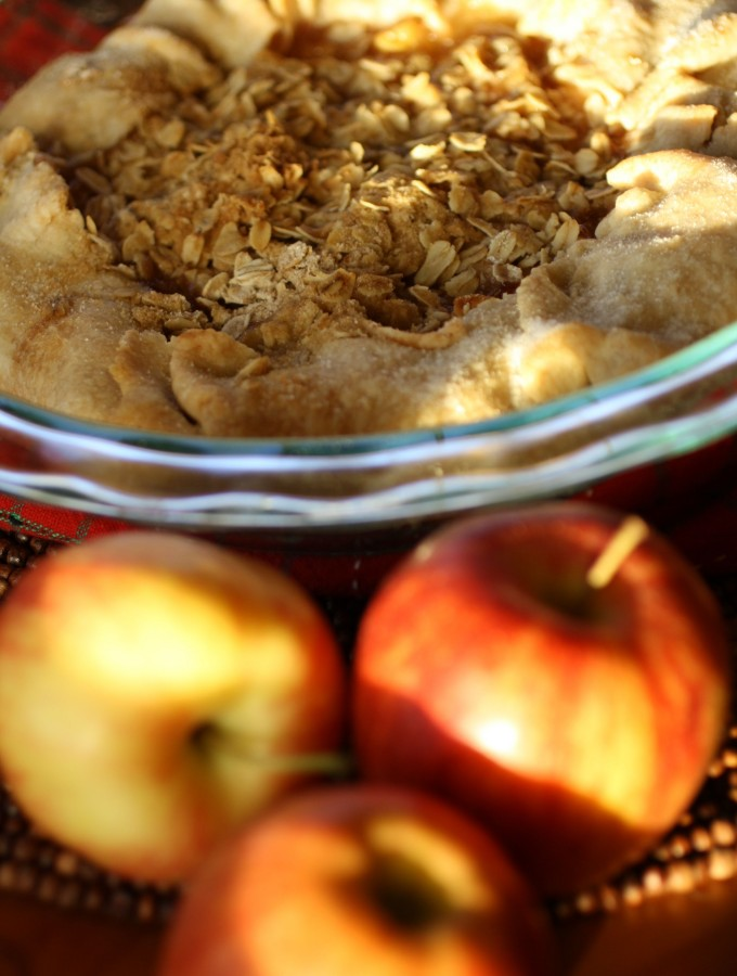 Apple Crostata with Oat Crumble Topping