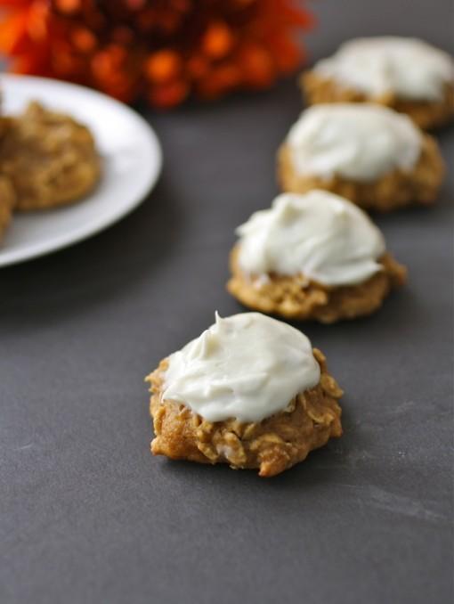 Pumpkin-oatmeal cookies