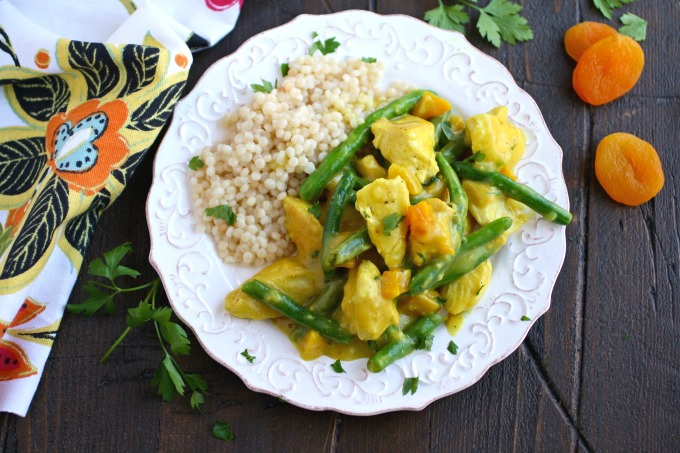 I love simple and flavorful meals like Moroccan Skillet Chicken with Green Beans!