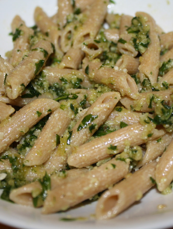 Easy Arugula Pesto with Pasta