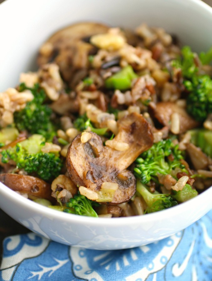Looking for a fabulous side dish? Try Wild Rice, Mushroom & Broccoli Skillet Side